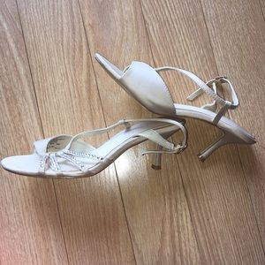 Size 6 cream high heels